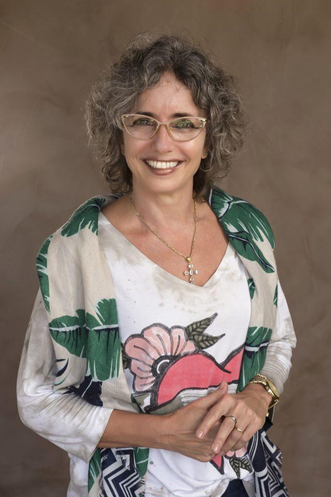 Dra. Cláudia Salomão