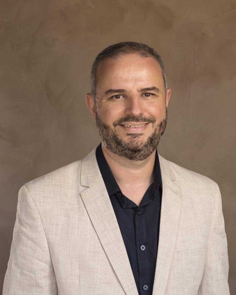 Dr. Eduardo Batista Cândido