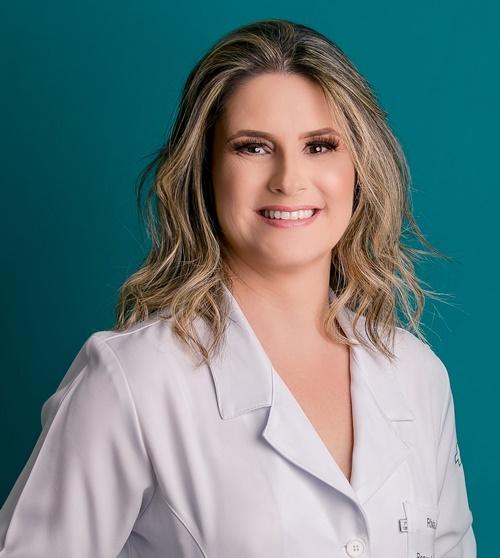 Dra. Rívia Mara Lamaita